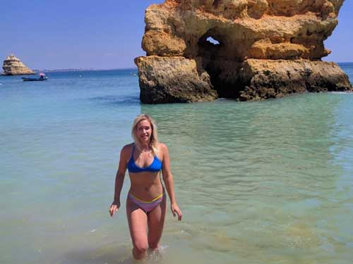 Praia-Dona-Ana-Beach